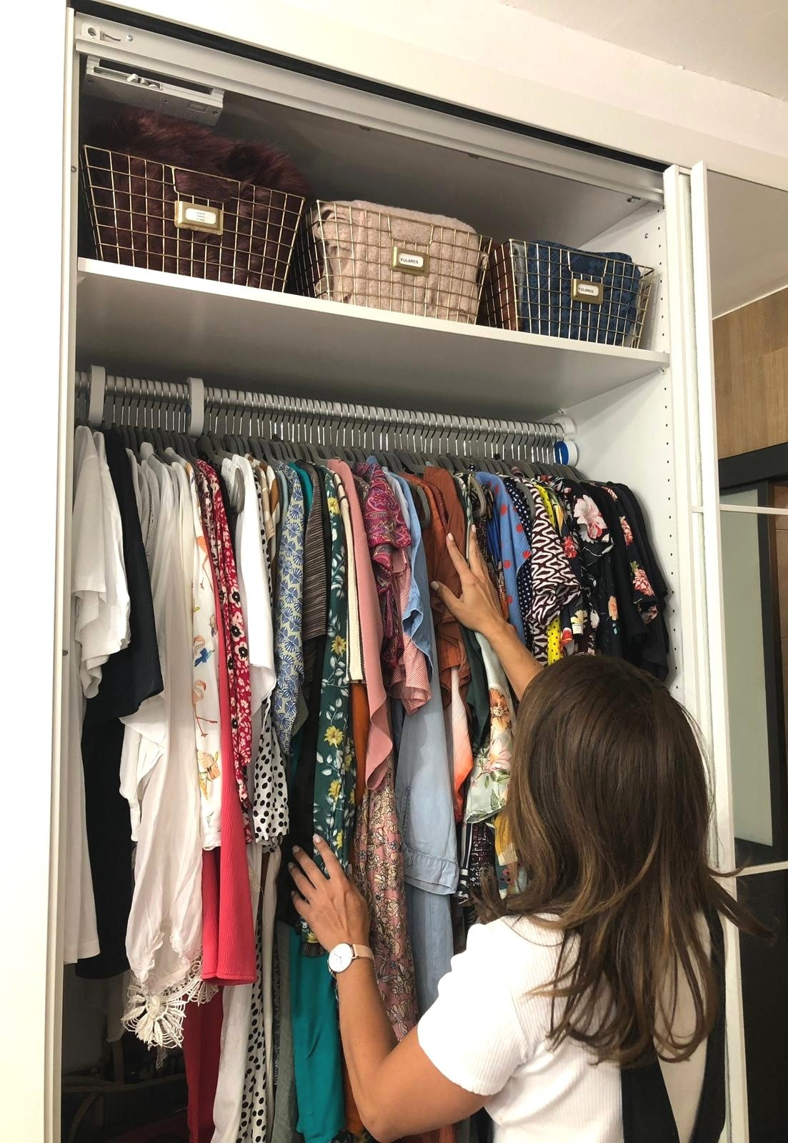 Organizando armario con Inés